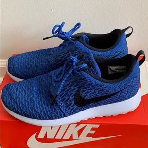 fly knit nike roshe